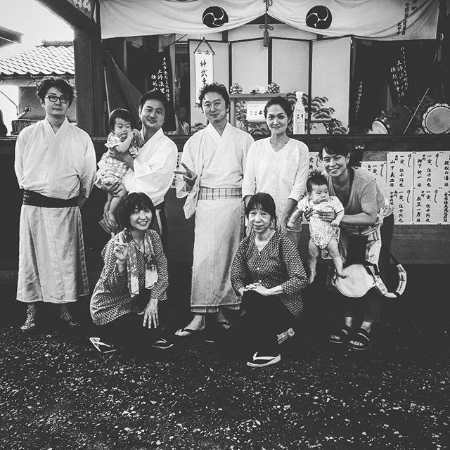 これが平成最後のお祭り!?なんて言う感じの写真ですね。今年のお神楽は神武東征。天皇家はギネスに載っている世界最古の王家。初代神武天皇は紀元前660年。現在は125代目。時代が変わっても変わらない良さがある。日本のお祭り、古き良き物であってほしいと願って!#お祭り #平成最後 #古き良き