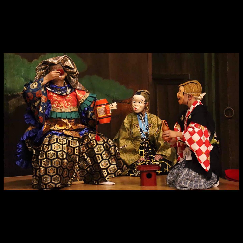 .能舞台で、神楽の撮影をしました。映像で配信する為の撮影は初めての試みでしたが、みんなで研究し合いよい経験となりました。#神楽 #敬神愛国 #里神楽加藤#久良岐能舞台 #能舞台 #横浜