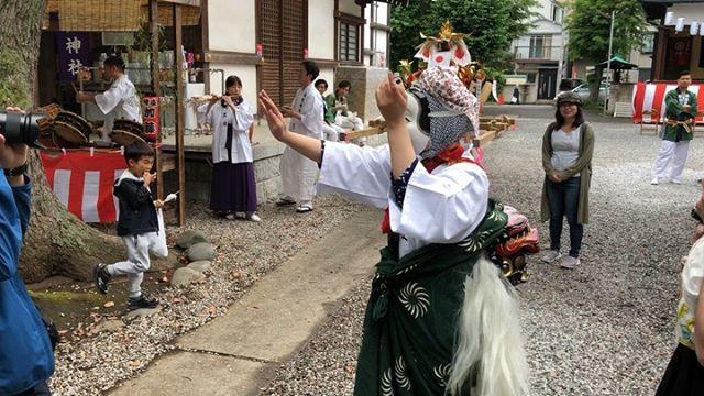 .ちょいおかの手踊りを真似する男の子🤲完全に持っていかれました!#ちょいおか #獅子舞#お祭り #神社 #神楽 #囃子